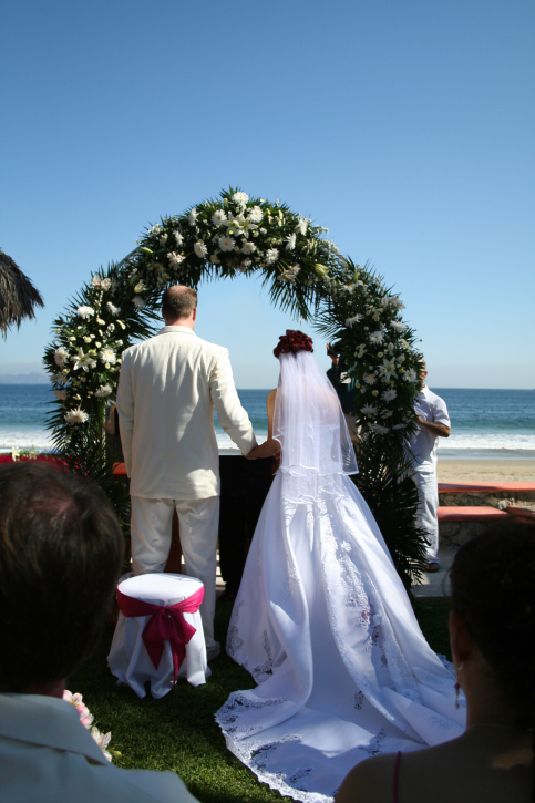 Tips for planning a vow renewal ceremony get ordained for How do i get ordained to perform wedding ceremonies
