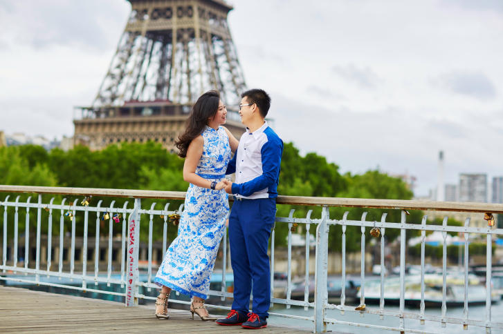 Chinese couples choose paris and london for wedding shoots for How do i get ordained to perform wedding ceremonies