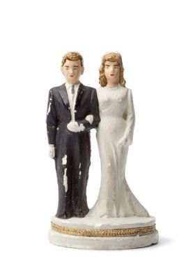 Common Wedding Cake Traditions Unboxed Get Ordained