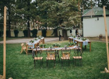Considering a Backyard Wedding? Read This First