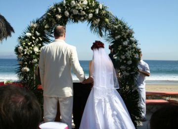 Tips for Planning a Vow Renewal Ceremony