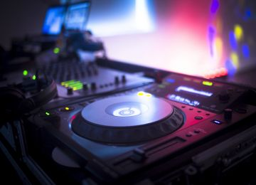 Cue the Music! Booking a DJ for Your Wedding Reception
