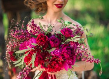 Secrets From Florists About Choosing Wedding Flowers