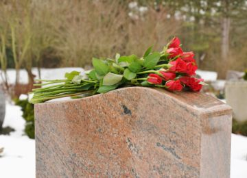 How You Can Pay for a Funeral With a Tight Budget
