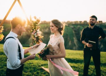 Writing Your Own Wedding Vows? Read This Before You Start