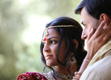 Jewelry Ad Bucks Second Marriage Taboo in Indian Media