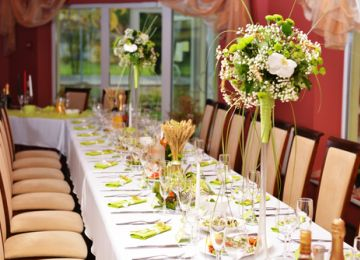 Keep Your Sanity While Creating Seating Arrangements With These Tips