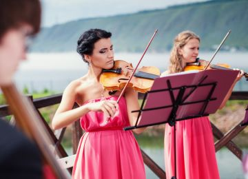 How to Find a Live Musical Act for Your Wedding