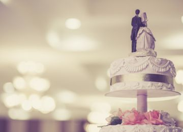 Getting a Great Wedding Cake for Less Money