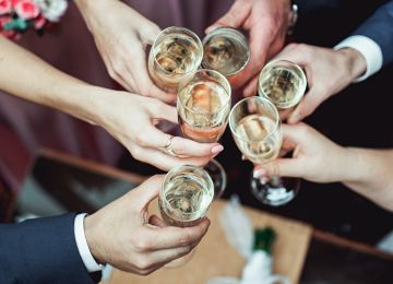 The 411 on Wedding Toasts: Who, When, How and Why