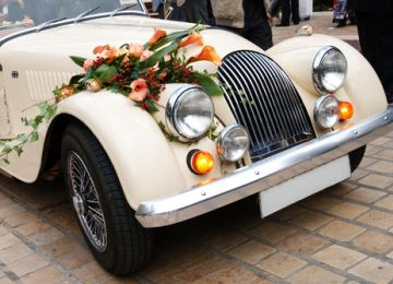 Making Your Getaway: Transportation Options for Your Wedding