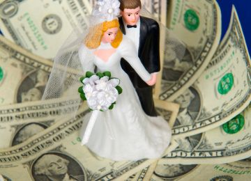Throw a Wedding Without Throwing Away Your Savings