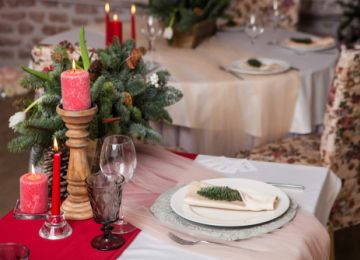 The Pros and Cons of a Winter Holiday Wedding